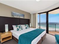 2 Bedroom Apartment with Ocean View – Mantra Coolangatta Beach