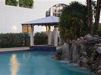 Swimming Pool and spa – Mantra Esplanade Cairns