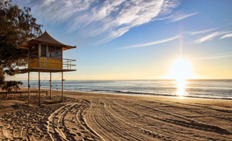 Let yourself relax at Surfers Paradise.