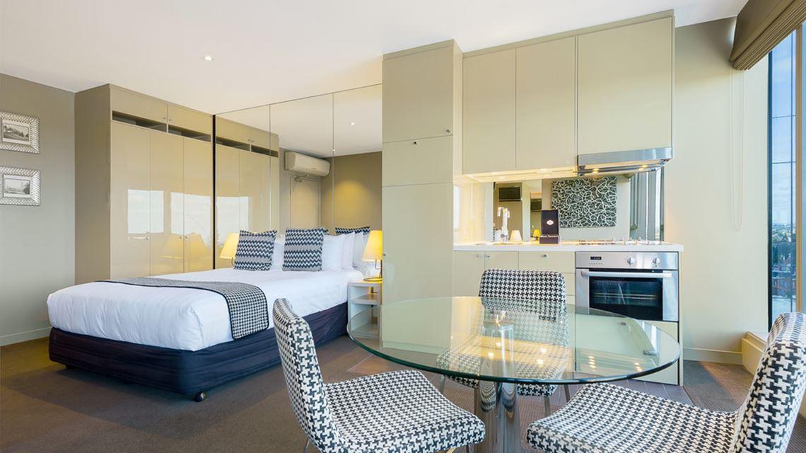 mantra bell city melbourne accommodation. Black Bedroom Furniture Sets. Home Design Ideas