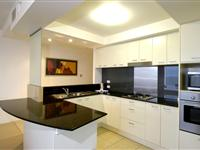 3  Bedroom Apartment Kitchen - Mantra Broadbeach on the Park
