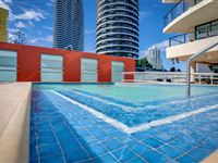 Pool - Mantra Broadbeach on the Park
