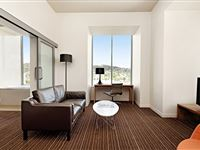 1 Bedroom Spa Apartment - Mantra Charles Hotel Launceston
