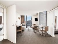 2 Bedroom Dual Key Apartment - Mantra on Collins Hobart