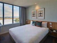 Studio King Airport View - Mantra Hotel at Sydney Airport