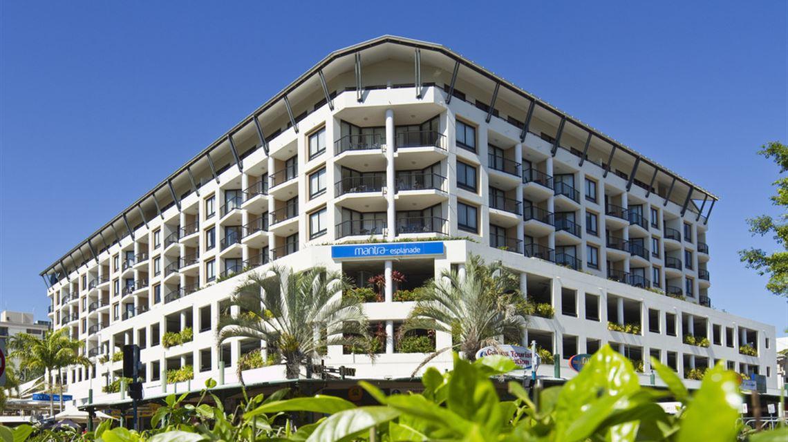 Hotel Mantra Esplanade, Cairns, Australia - Booking.com